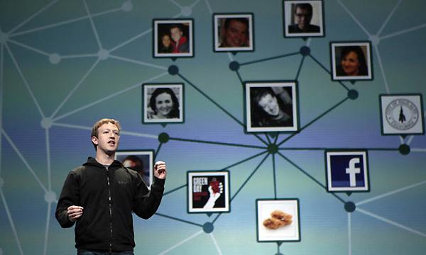 """Mark Zuckerberg """"Robó"""" el código de Facebook y parece que renunciará a su cargo"""